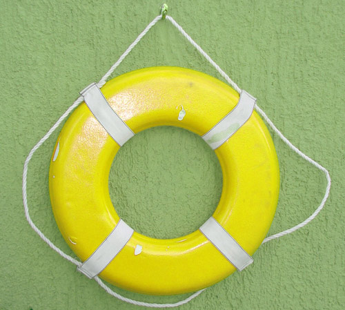 Life saving floatation device